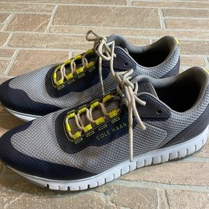 Cole Haan Grandsport Mens 10M Gray Yellow Sneakers